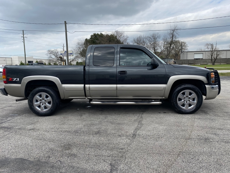GMC Sierra 1500 2003 price $3,995