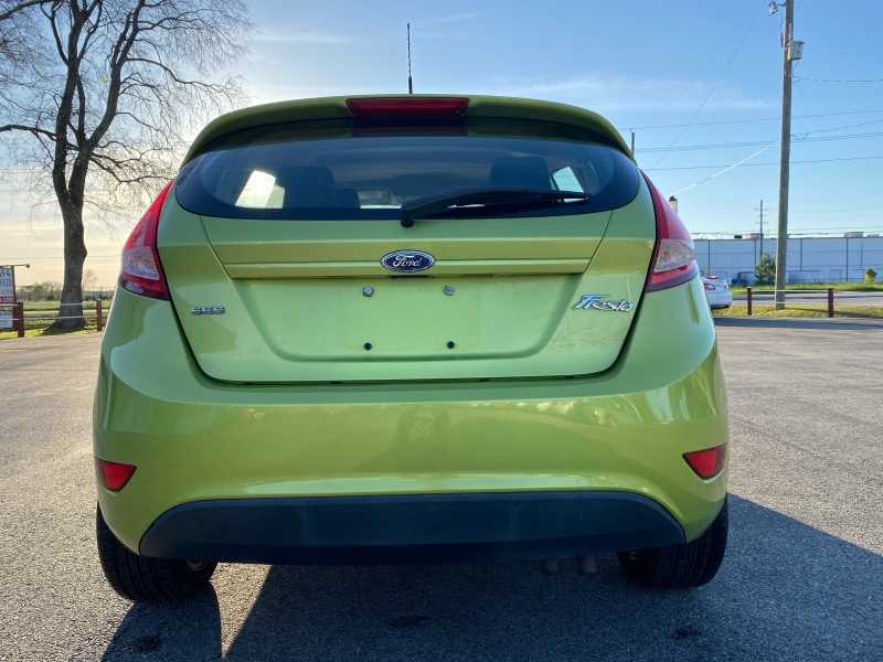Ford Fiesta 2011 price $4,500