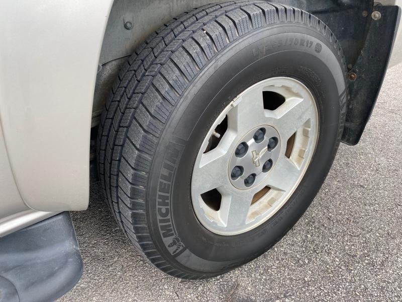 Chevrolet Suburban 2005 price $5,595