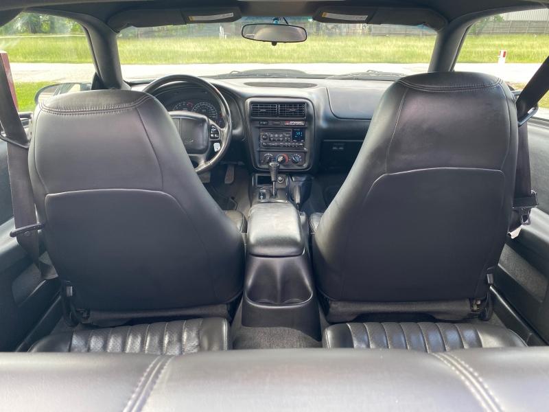 Chevrolet Camaro 2002 price $10,995