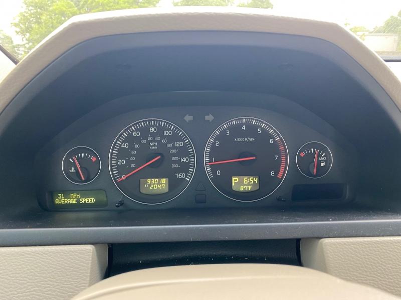 Volvo XC 90 2005 price $4,995