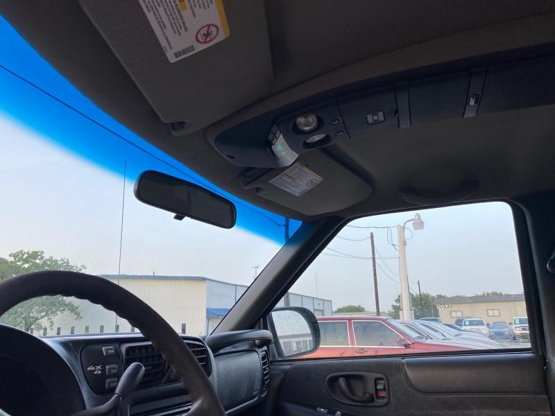 Chevrolet S-10 2001 price $3,995