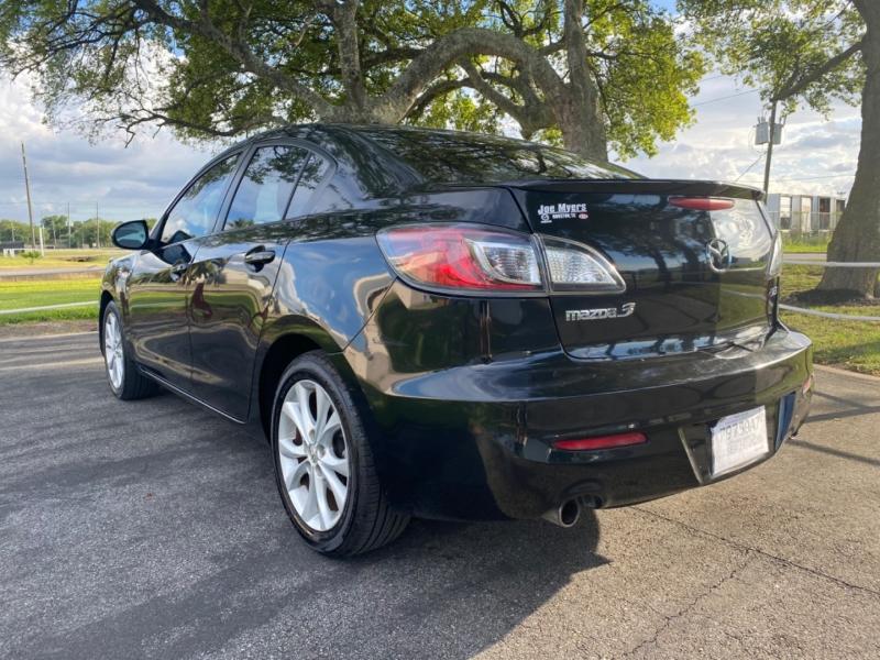 Mazda 3 2010 price $4,995