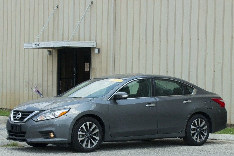 Nissan Altima 2017 price $21,500