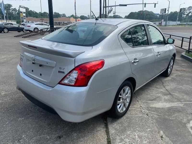 Nissan Versa Sedan 2018 price $10,900