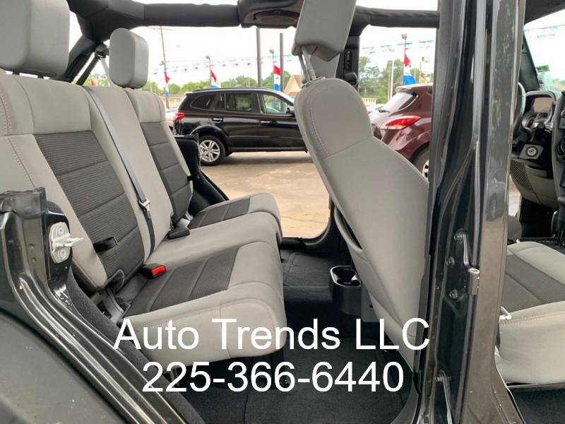 Jeep Wrangler Unlimited 2010 price $15,900