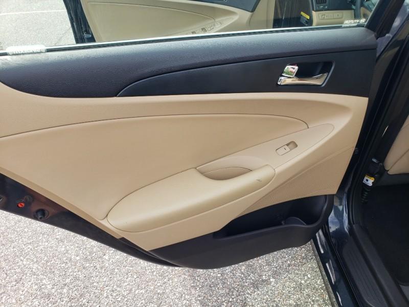 Hyundai Sonata 2013 price $8,950