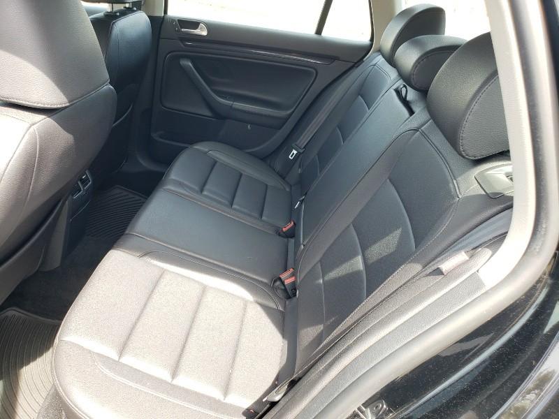 Volkswagen Jetta Wagon 2011 price $8,250