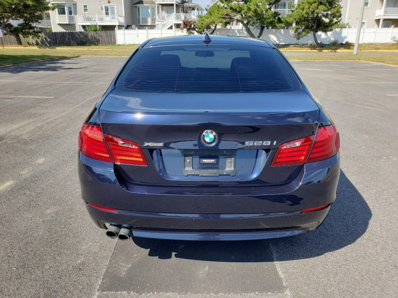 BMW 5-Series 2013 price $11,750