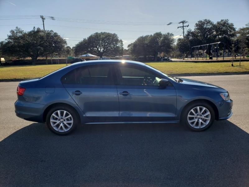 Volkswagen Jetta Sedan 2015 price $8,500