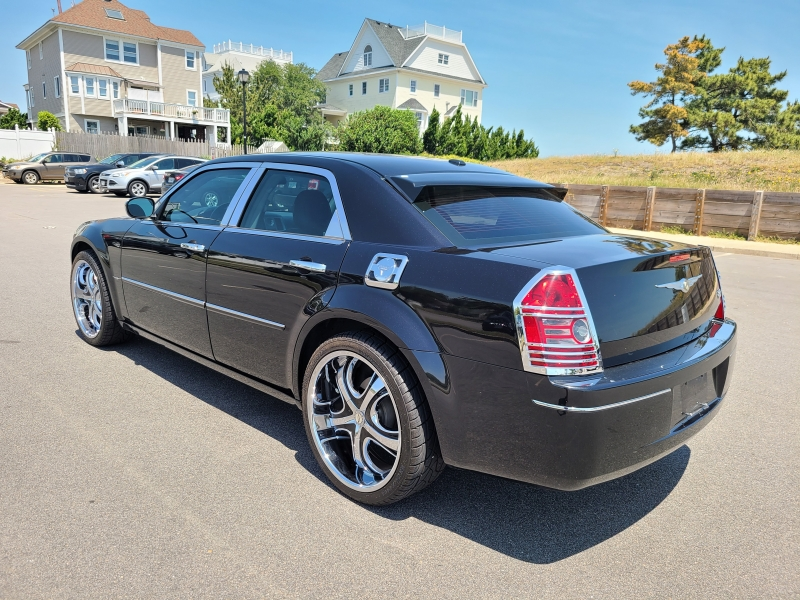 Chrysler 300 2010 price $8,950