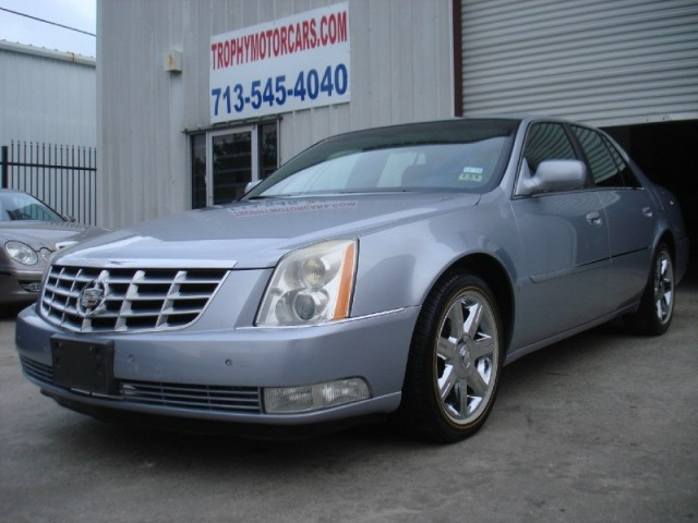 2006 Cadillac Dts Cash Price Super Clean In And Out Chrome Wheels