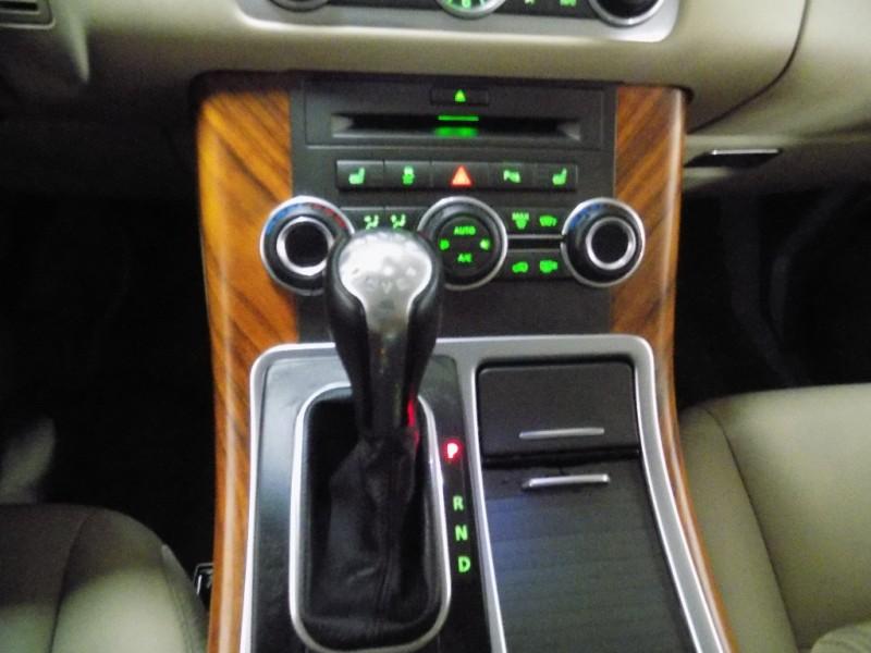 Land Rover Range Rover Sport 2011 price $15,950