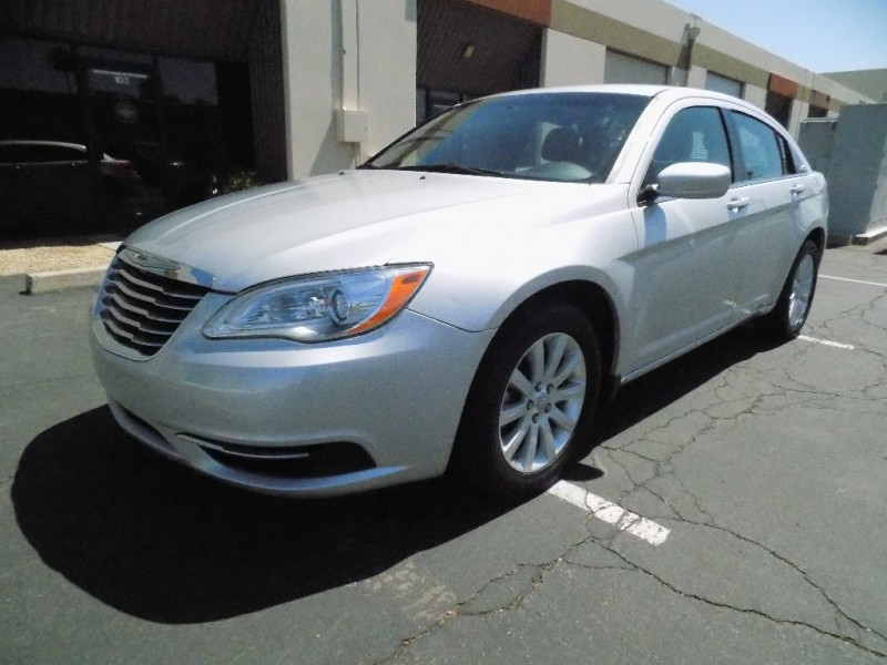 Chrysler 200 2011 price $6,800