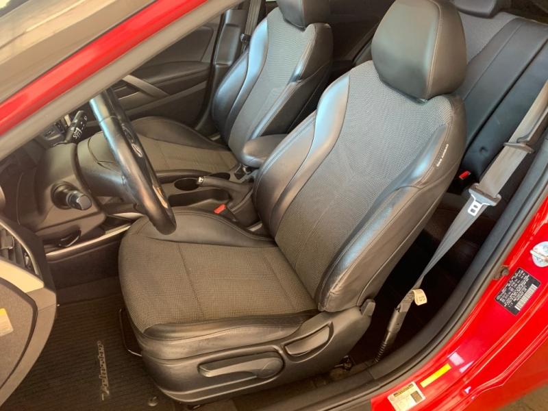 Hyundai Veloster 2013 price $7,699