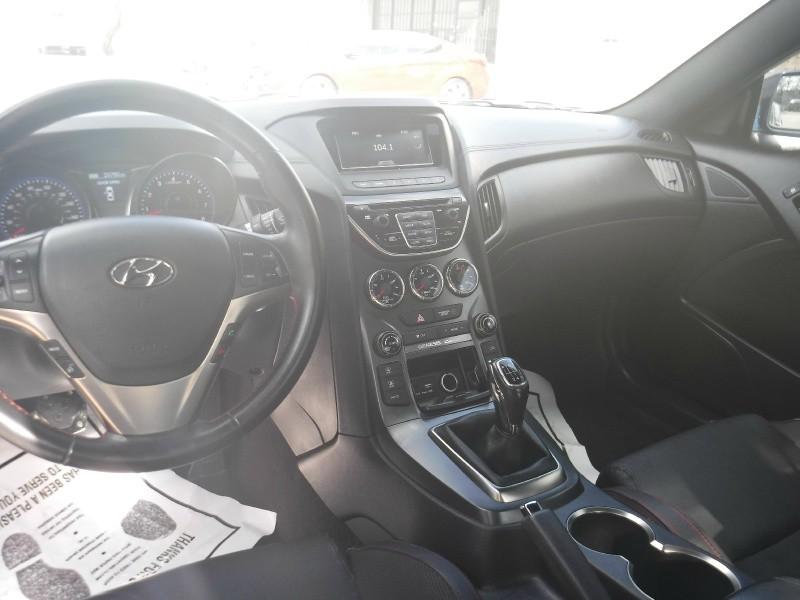 Hyundai Genesis Coupe 2016 price $11,449