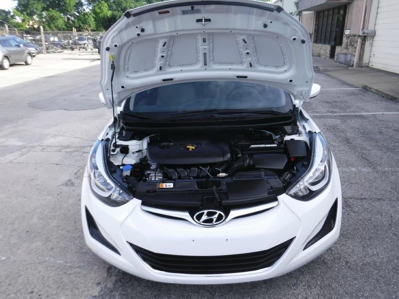 Hyundai Elantra 2016 price $9,499