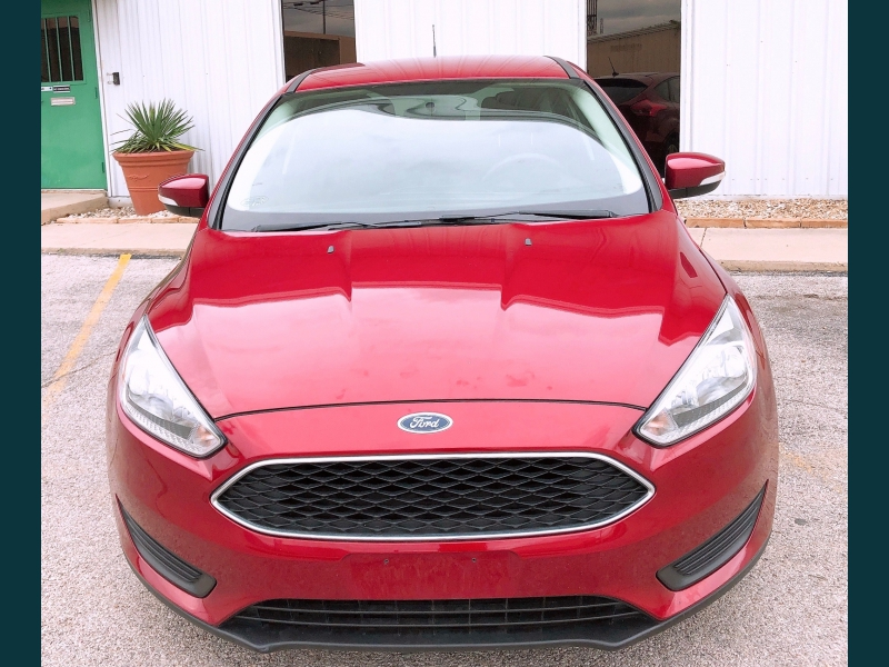 Ford Focus 2017 price $9,999