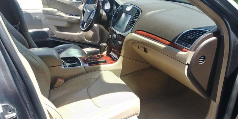 CHRYSLER 300C 2011 price $9,288