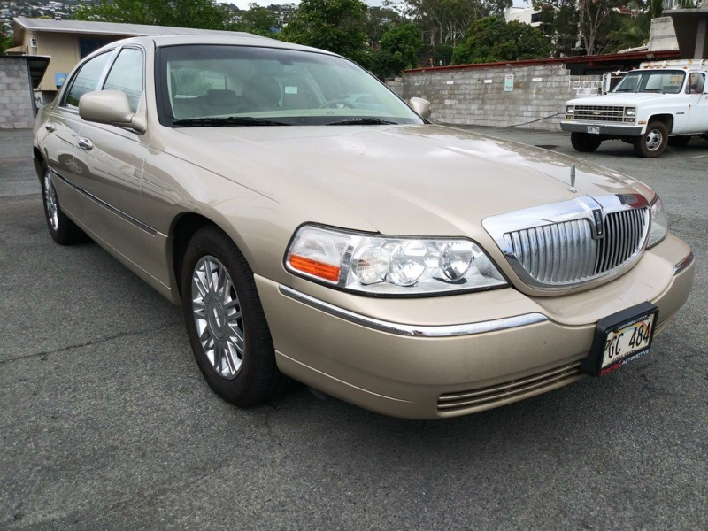 LINCOLN TOWN CAR 2006 price $6,500
