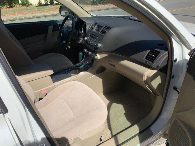 Toyota Highlander 2008 price $8,563