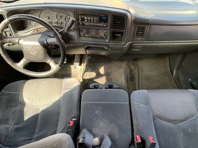 CHEVROLET AVALANCHE 2002 price $3,800