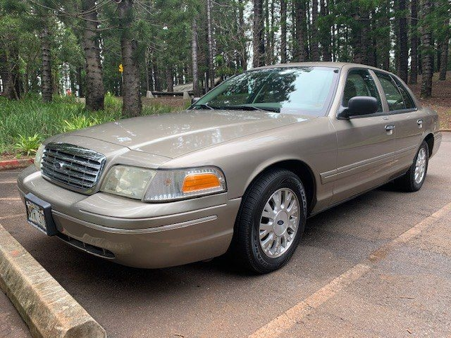 FORD CROWN VICTORIA 2005 price $3,999