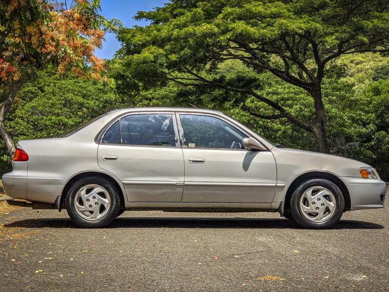 TOYOTA COROLLA 2001 price $3,300