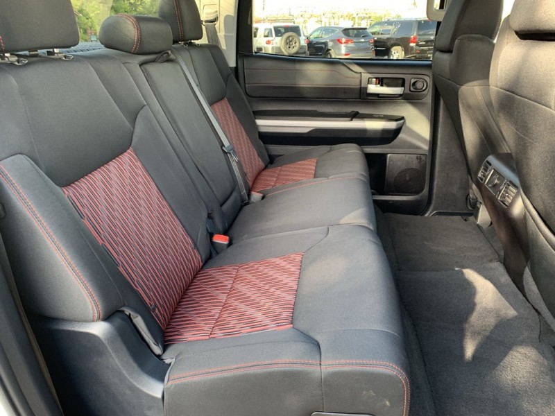 Toyota Tundra 2015 price $32,890
