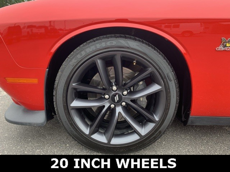 Dodge Challenger 2016 price $28,725