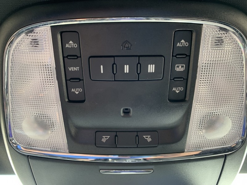 Chrysler 300 2016 price $18,998