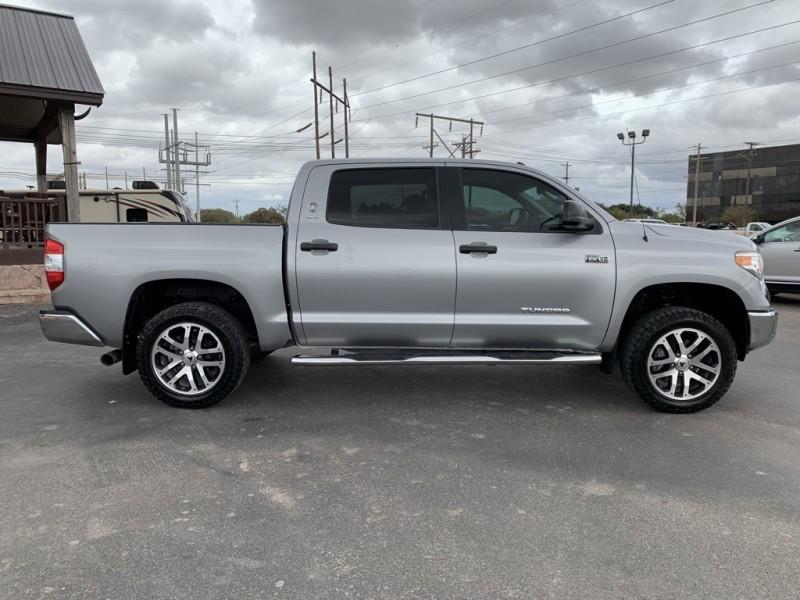 Toyota Tundra 2017 price $33,799