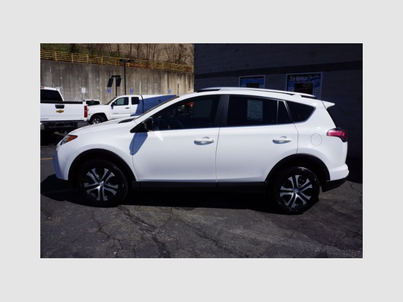 Toyota RAV4 2016 price Call for Pricing.
