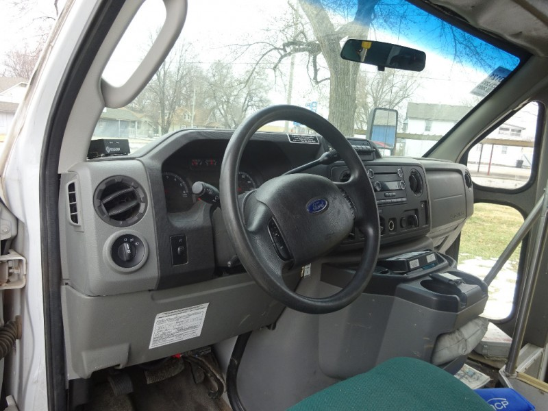 Ford Econoline Commercial Cutaway 2009 price $4,395