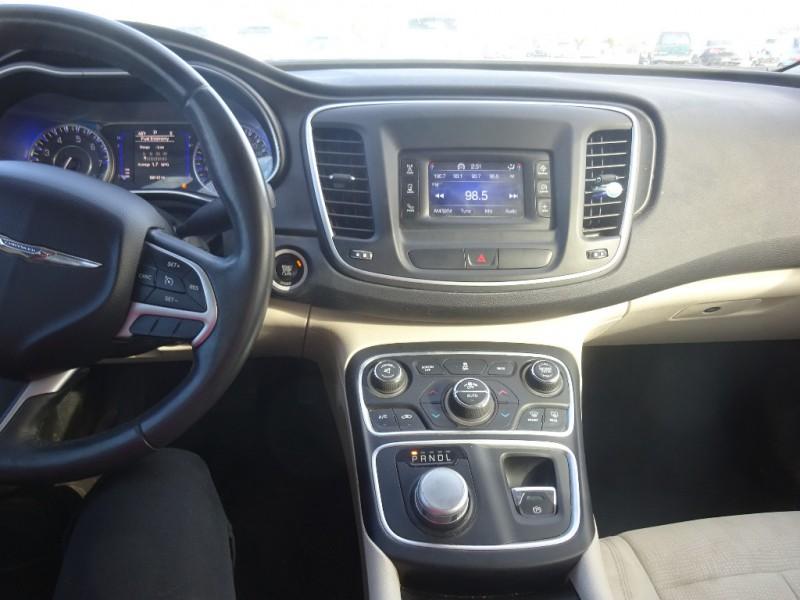 Chrysler 200 2015 price $9,295