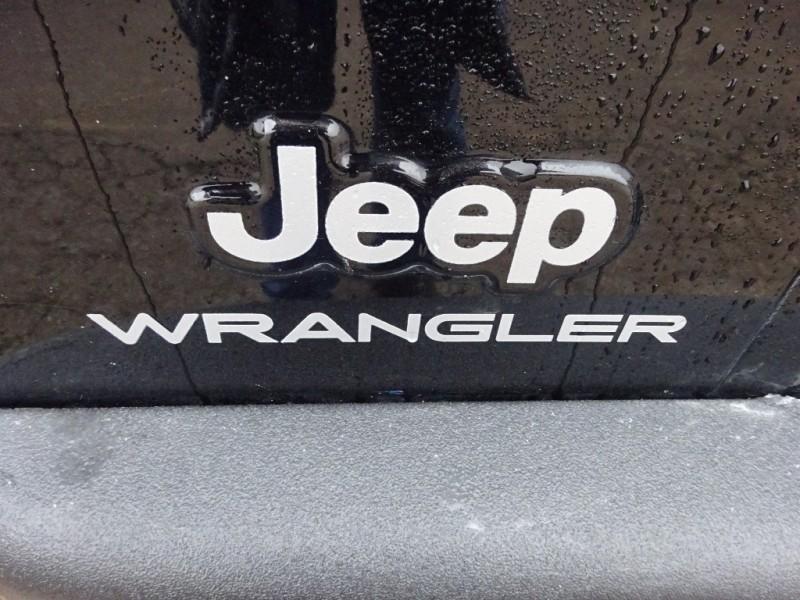 Jeep Wrangler 2004 price $7,795