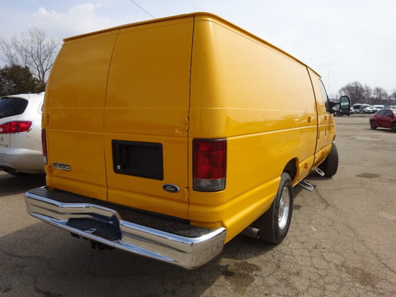 Ford Econoline Cargo Van 2008 price $11,095