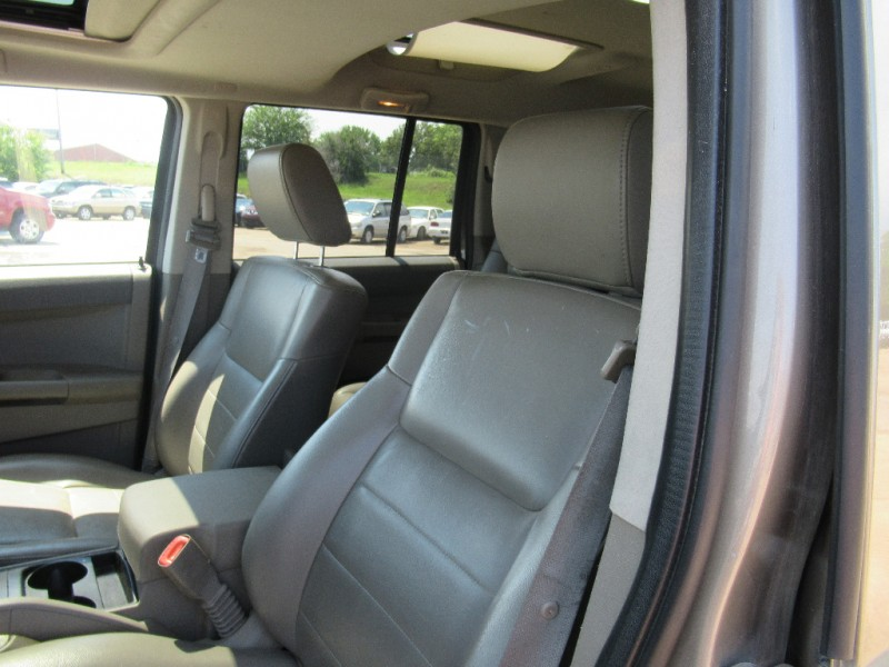 Jeep Commander 2006 price $6,195