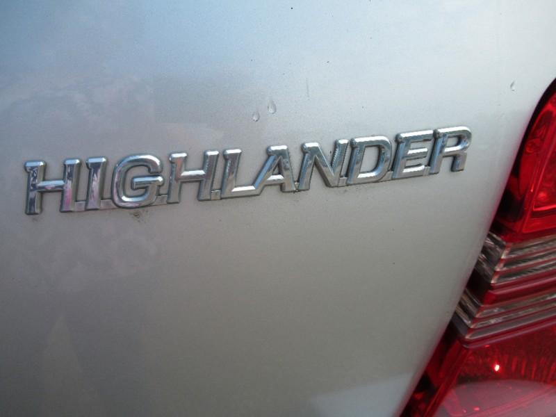 Toyota Highlander 2003 price $3,495
