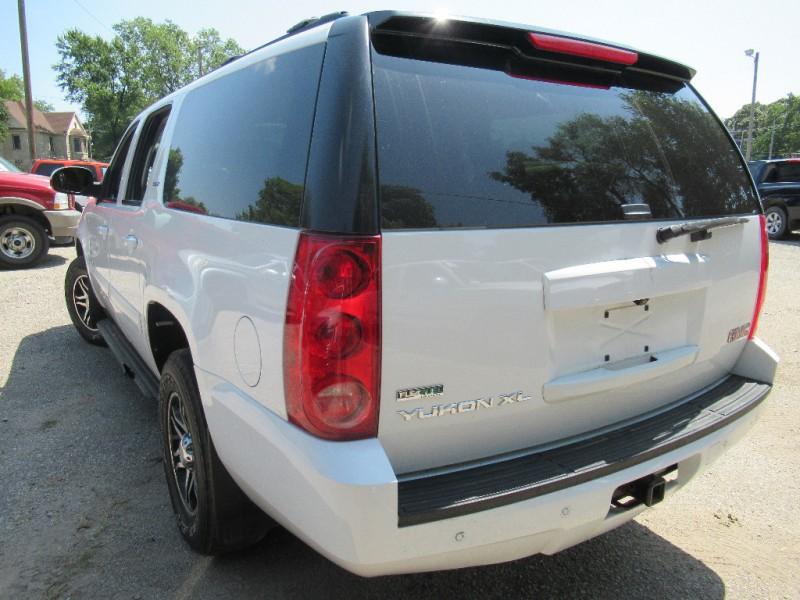 GMC Yukon XL 2010 price $7,895