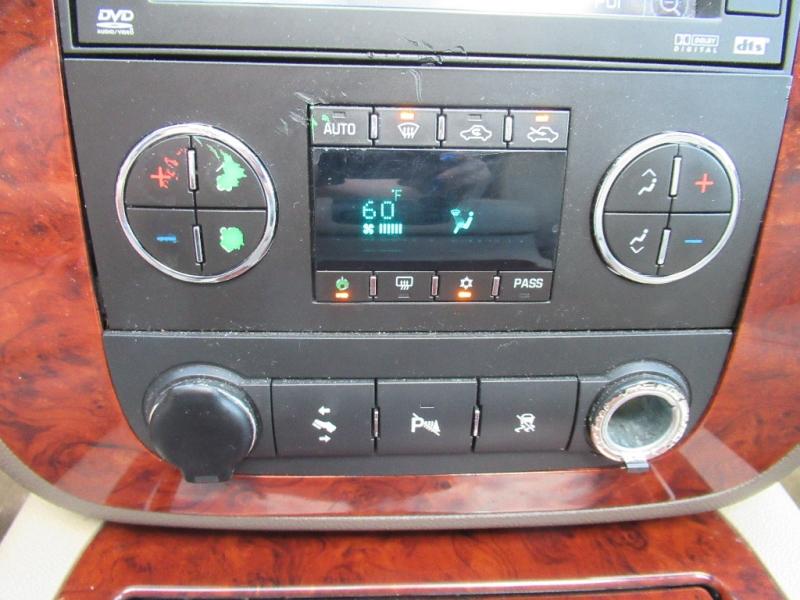Chevrolet Avalanche 2009 price $8,295