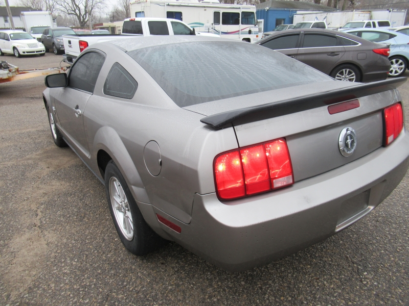 Ford Mustang 2009 price $7,295