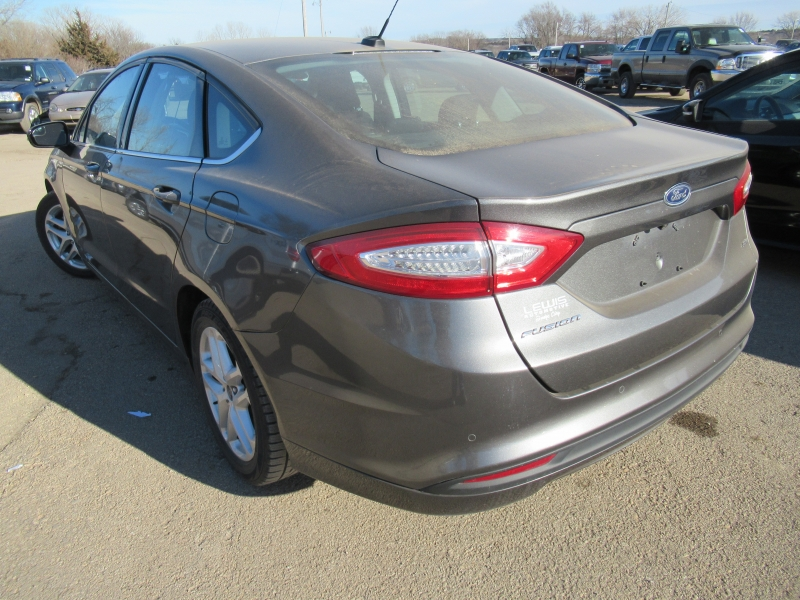 Ford Fusion 2016 price $12,895