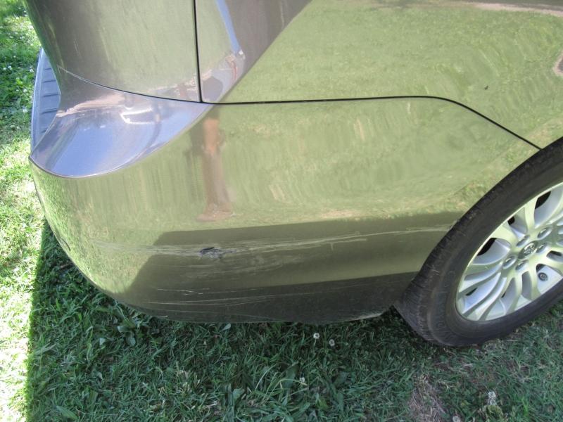Toyota Sienna 2013 price $10,795