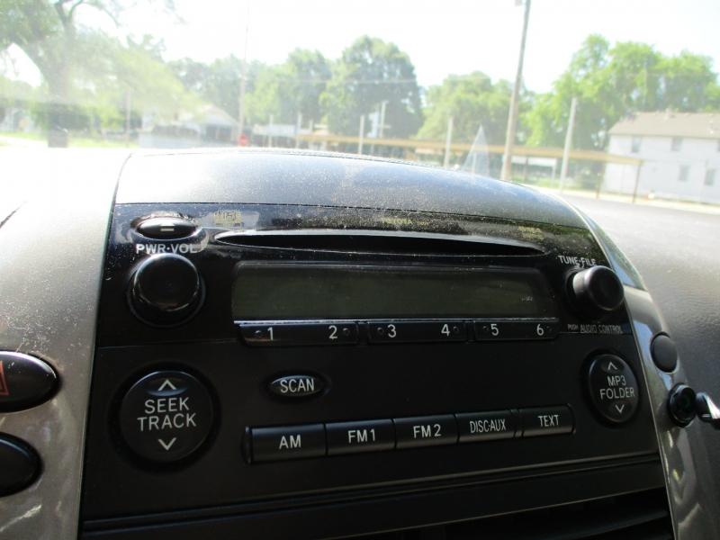 Toyota Sienna 2006 price $4,895