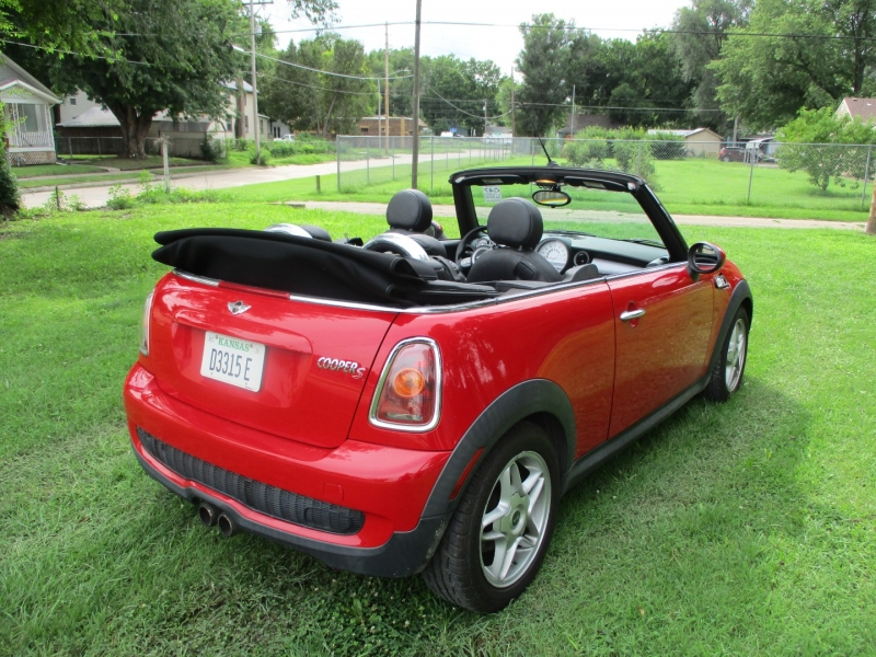 Mini Cooper Convertible 2009 price $5,495