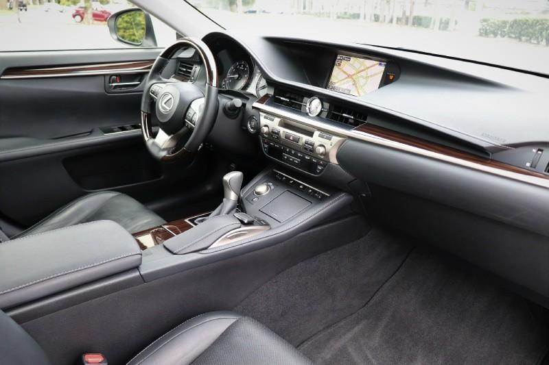 Lexus ES 350 2016 price $25,888