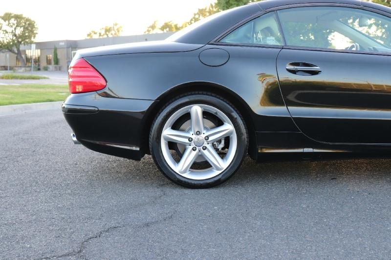 Mercedes-Benz SL-Class 2004 price $15,888