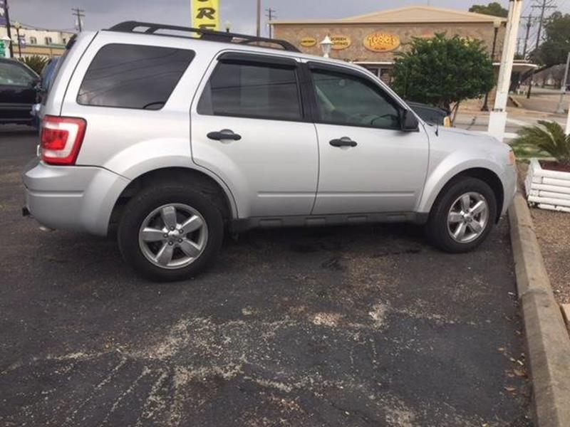 Ford Escape 2009 price $8,995
