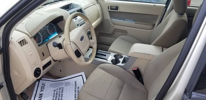 Ford Escape 2010 price $9,495